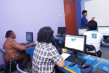 Pelatihan Desain Website dari PPU dan Boven Digoel