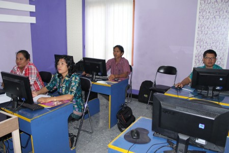 Peserta Pelatihan Komputerisasi Akuntansi Keuangan Bendahara dari Dinas Pendidikan dan Pengajaran Kab
