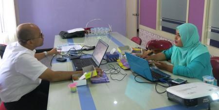 pelatihan analisis statistik SEM dengan AMOS