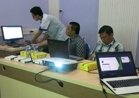Pelatihan pengelolaan jaringan internet dengan MikroTik