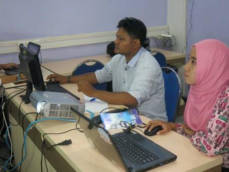 Pelatihan Desain Grafis dan Multimedia untuk Media Promosi Kesehatan