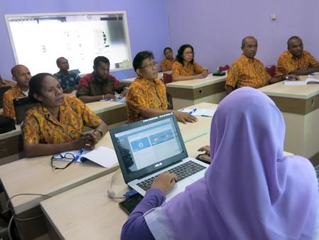 Pelatihan Sistem Informasi Manajemen SIKUMPERDA Sekretariat Majelis Rakyat Papua (MRP)