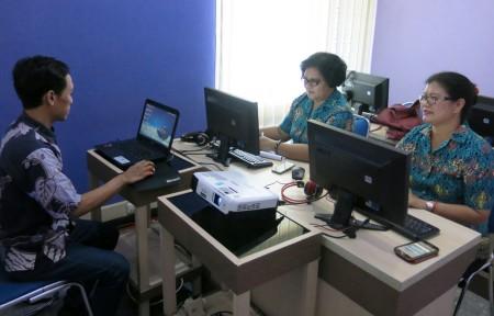 Pelatihan Teknologi Informasi Desain Multimedia Dinas Komunikasi dan Informatika (DISKOMINFO) Kabupaten Merauke Juni 2017