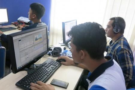 Pelatihan Teknologi Informasi Video Editing PERURI Oktober 2017