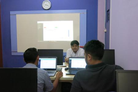 Pelatihan Pengolahan Data dan Penyajian Informasi dengan SIMDATA-INFO (Sistem Manajemen Data dan Informasi) Biro Administrasi Pembangunan Sekretariat Daerah Provinsi Kaltim November 2017