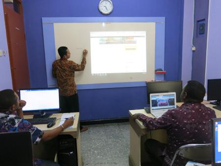 Pelatihan Teknologi Informasi (TI) Pelatihan Web Desain Tingkat Menengah DISKOMINFO Kabupaten Maybrat Juli 2018