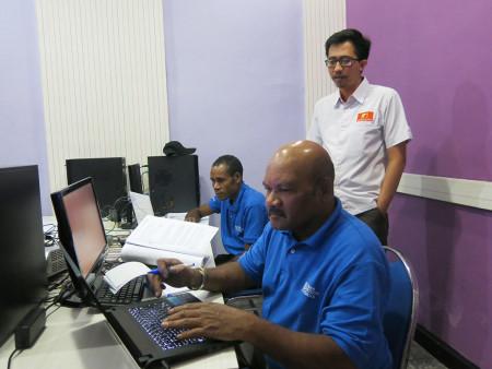 Pelatihan Administrator Server Linux UPT Komputer Universitas Cenderawasih Provinsi Papua Oktober 2018