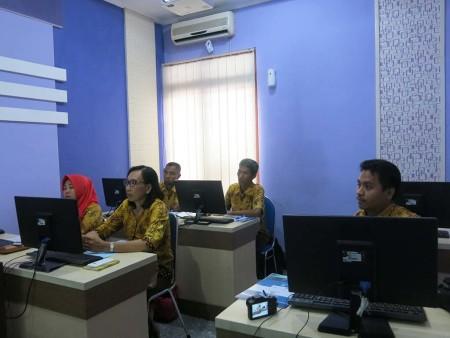 Pelatihan Komputerisasi Kearsipan Elektronik Dinas Kehutanan Provinsi Papua Barat Desember 2018