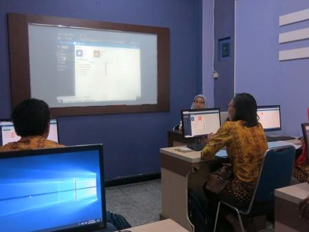 Pelatihan Perkantoran Elektronik (E - Office) dengan aplikasi E-FILING Dinas Kehutanan Provinsi Papua Barat Desember 2018