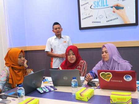 Pelatihan Aplikasi E Office SIMDATA-INFO DISKOMINFO Kota Madiun Provinsi Jawa Timur April 2019