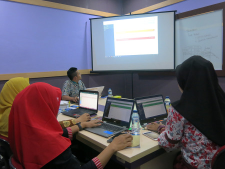 Pelatihan Pengelolaan Data Statistik Sektoral dengan aplikasi SIMDATA-INFO Dinas Komunikasi dan Informatika (DISKOMINFO) Kota Madiun Provinsi Jawa Timur April 2019