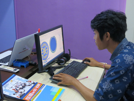 Pelatihan Teknologi Informasi (TI) Desain Grafis Universitas Udayana Bali Juni 2019
