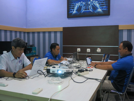 Pelatihan Administrator MikroTik RouterOS UPT TIK Universitas Pendidikan Ganesha Singaraja Bali Juli 2019