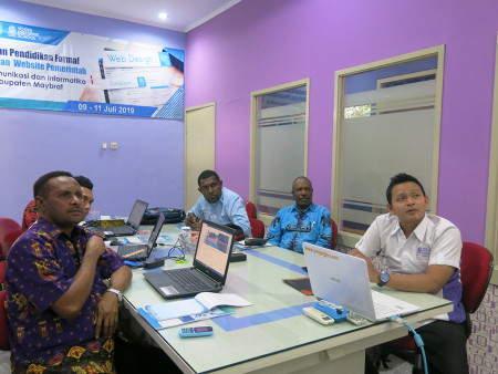 Pelatihan Pengelolaan Website Pemerintah DISKOMINFO Kabupaten Maybrat Provinsi Papua Barat Juli 2019