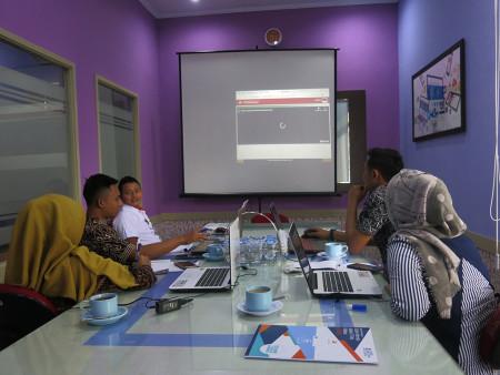 Pelatihan Sistem Informasi Aplikasi TV Info Publikasi menggunakan aplikasi SIATIKA Rumah Sakit Umum Daerah Ngudi Waluyo Wlingi Blitar Oktober 2019