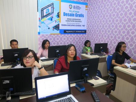 Pelatihan Desain Grafis Untuk Promosi Kesehatan Dinas Kesehatan (DINKES) Kabupaten Malinau 31 Oktober 2019