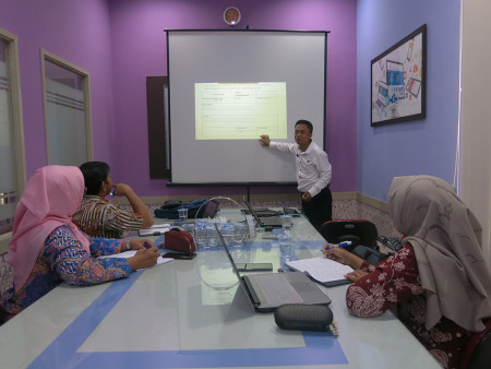 Pelatihan Penyusunan Standar Operasional Prosedur (SOP) DINKES Kabupaten Gresik November 2019